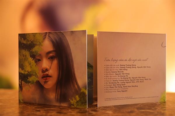 Sao Mai Thu Hằng phát hành album nhạc cách mạng Ảnh 1