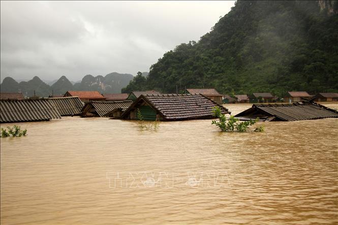 Đại sứ quán Malaysia ủng hộ người dân miền Trung bị thiệt hại do lũ lụt Ảnh 1