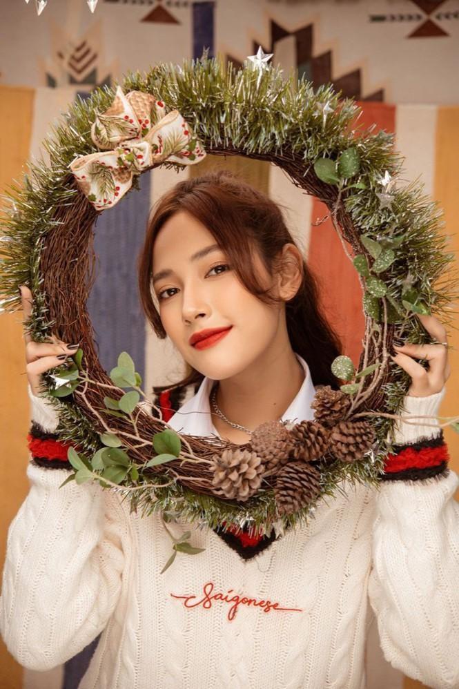 Cặp chị em 'cùng nhà' Cara - JSol đàn hát Acoustic mộc mạc chào đón Giáng sinh Ảnh 1