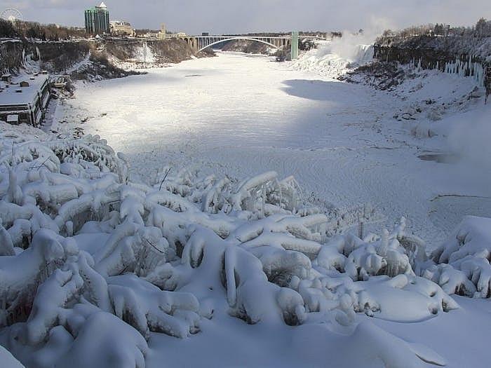 Thác Niagara đống băng vào mùa đông khiến bất cứ ai cũng muốn ghé thăm Ảnh 7