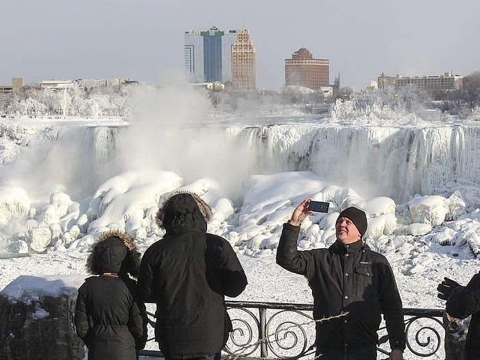 Thác Niagara đống băng vào mùa đông khiến bất cứ ai cũng muốn ghé thăm Ảnh 6