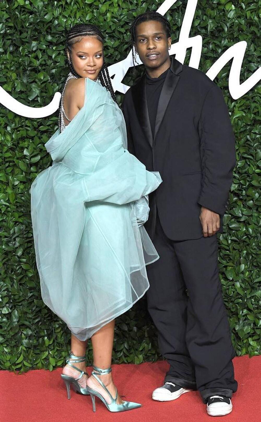 Rihanna và A$AP Rocky bị fan nghi ngờ rằng đang cùng nhau nghỉ dưỡng? Ảnh 4