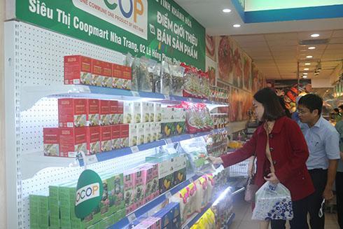 Khai trương điểm bán sản phẩm OCOP tại siêu thị Co.opmart Nha Trang Ảnh 3