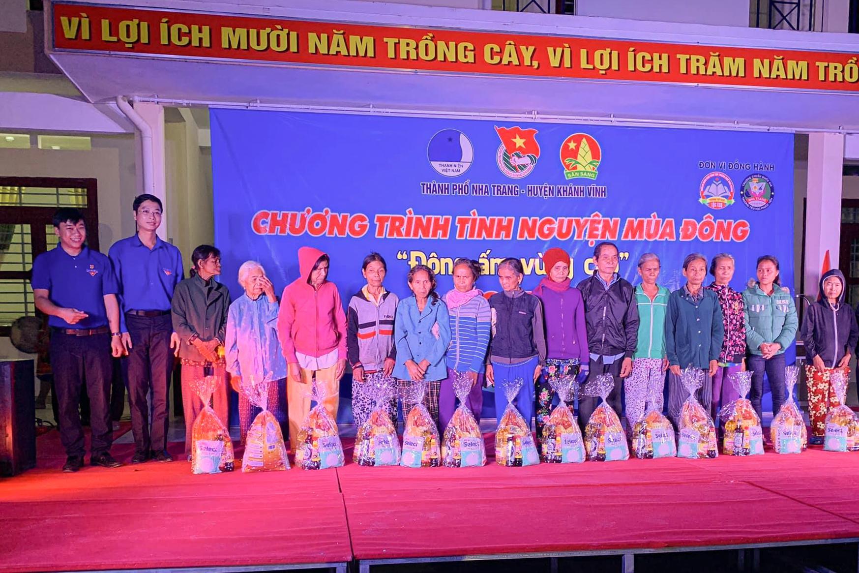 Tổ chức chương trình Tình nguyện mùa Đông tại huyện Khánh Vĩnh Ảnh 3