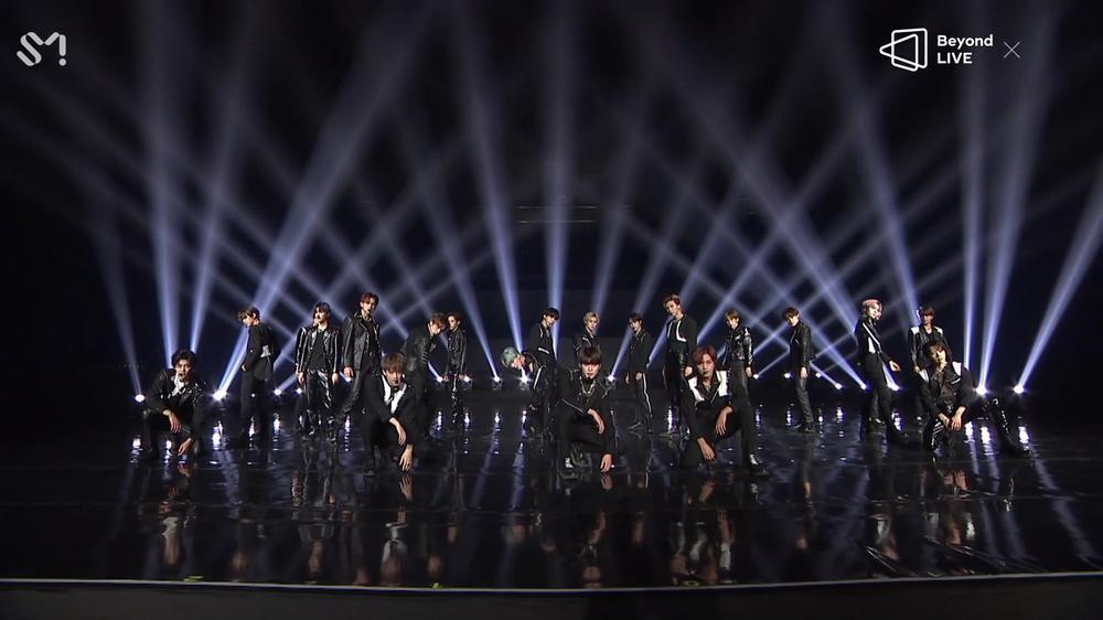 NCT 2020 và concert online đầu tay: Bứt phá giới hạn cảm xúc, loạt hit đình đám từ khi debut 'ra trận' Ảnh 15