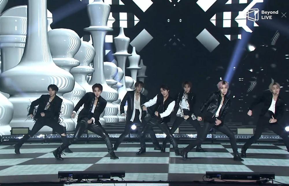 NCT 2020 và concert online đầu tay: Bứt phá giới hạn cảm xúc, loạt hit đình đám từ khi debut 'ra trận' Ảnh 4