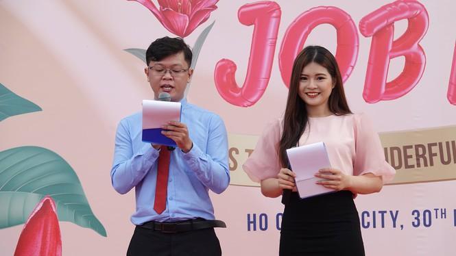 Sôi động 'Ngày hội việc làm – Job Fair 2020' Ảnh 4