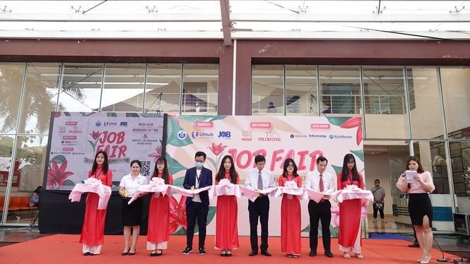 Sôi động 'Ngày hội việc làm – Job Fair 2020' Ảnh 6