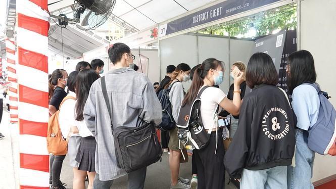 Sôi động 'Ngày hội việc làm – Job Fair 2020' Ảnh 11
