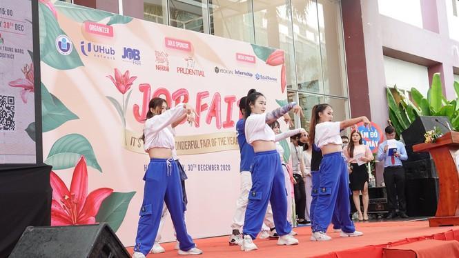 Sôi động 'Ngày hội việc làm – Job Fair 2020' Ảnh 3