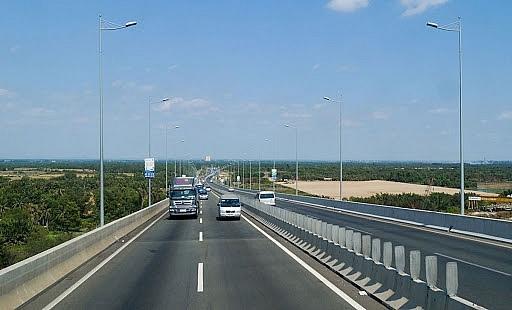 Nghiên cứu đầu tư tuyến Cao tốc TP.HCM – Thủ Dầu Một – Chơn Thành Ảnh 1
