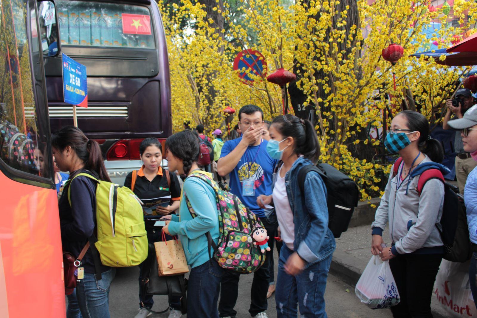 Hỗ trợ 3.000 vé xe cho sinh viên về quê đón Tết Ảnh 1