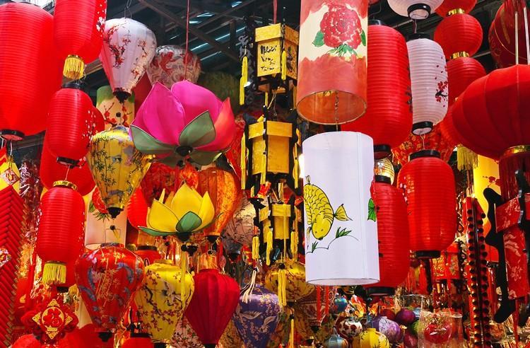 'Thủ phủ' bán đồ trang trí ở Hà Nội tấp nập chuẩn bị Tết Ảnh 6