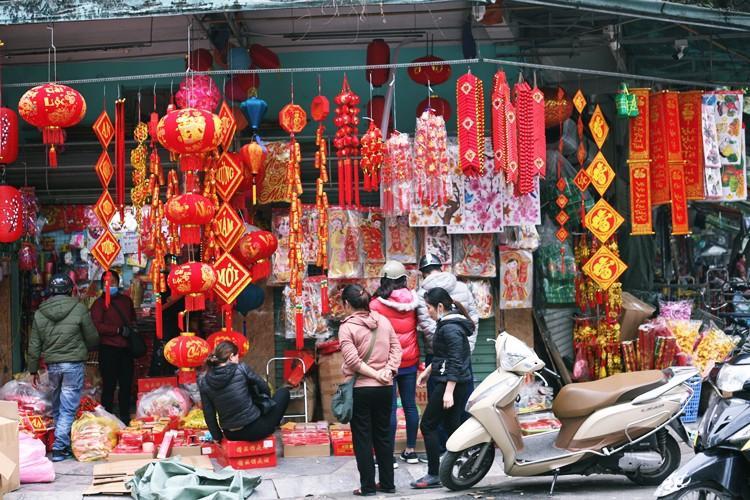 'Thủ phủ' bán đồ trang trí ở Hà Nội tấp nập chuẩn bị Tết Ảnh 12