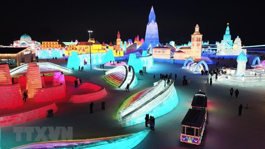 Trung Quốc: Lung linh Lễ hội băng đăng 2021 ở Cáp Nhĩ Tân Ảnh 1