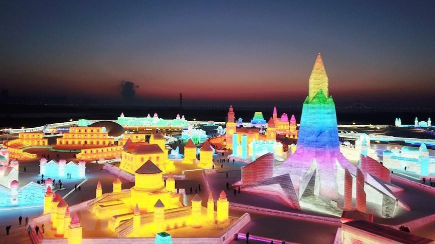 Trung Quốc: Lung linh Lễ hội băng đăng 2021 ở Cáp Nhĩ Tân Ảnh 4