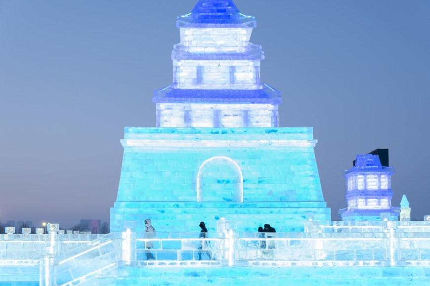 Trung Quốc: Lung linh Lễ hội băng đăng 2021 ở Cáp Nhĩ Tân Ảnh 3