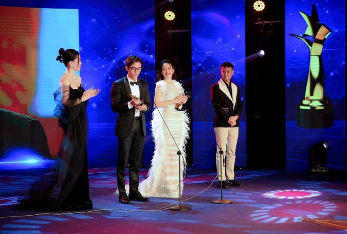 Diễm My 9X nghẹn ngào nhận giải thưởng đầu tiên nghiệp diễn Ảnh 3
