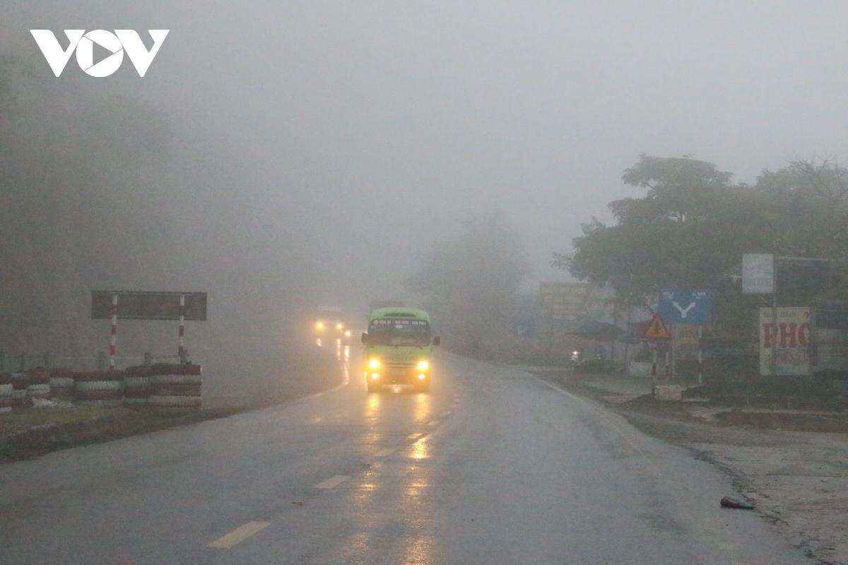 Giảm thiểu nguy cơ tai nạn giao thông do sương mù trên Quốc lộ 6 Ảnh 2