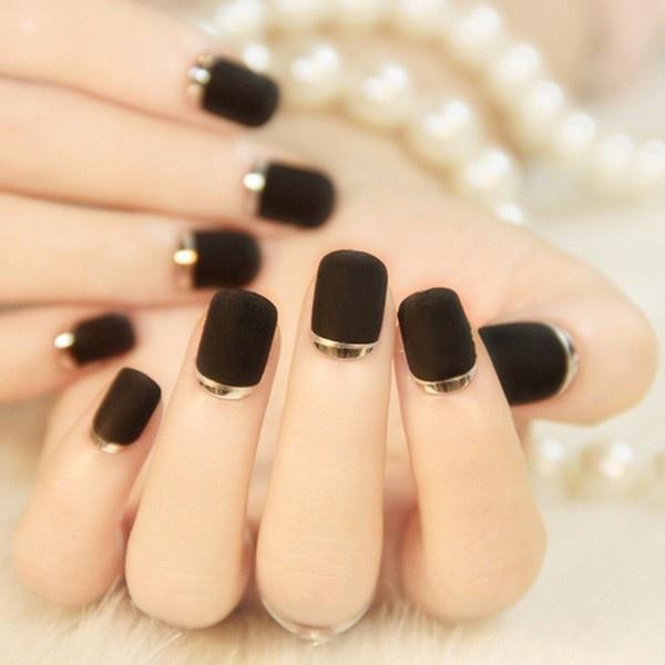 Năm 2021 đến rồi, mẫu nail màu đen ngỡ đơn giản cũng có trăm kiểu cho nàng thử quanh năm Ảnh 4