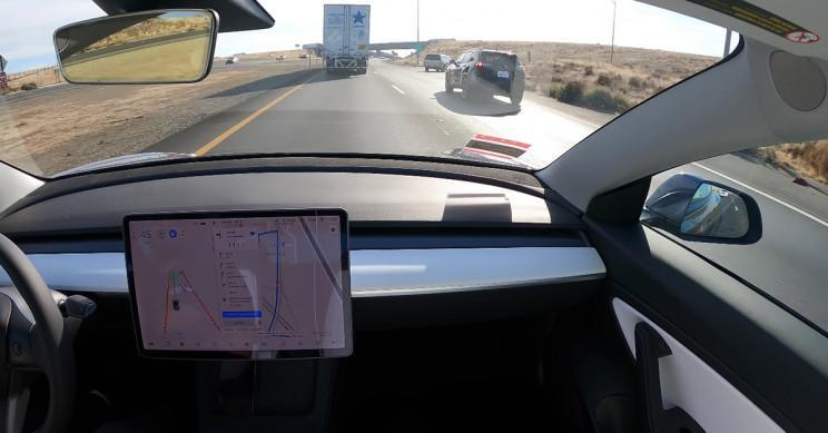 Xe điện Tesla tự đi từ San Francisco đến Los Angeles mà không cần sự can thiệp của tài xế Ảnh 1