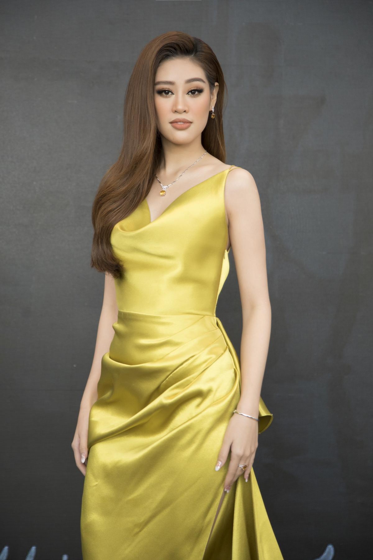 Hoa hậu Khánh Vân xinh đẹp nổi bật với đầm vàng gợi cảm đi dự sự kiện Ảnh 6