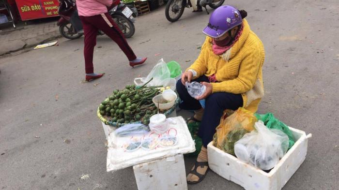Chùm ảnh: Người dân Đà Nẵng co ro trong cái lạnh kỷ lục 5 năm qua Ảnh 3