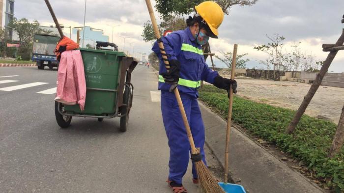Chùm ảnh: Người dân Đà Nẵng co ro trong cái lạnh kỷ lục 5 năm qua Ảnh 7