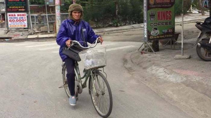 Chùm ảnh: Người dân Đà Nẵng co ro trong cái lạnh kỷ lục 5 năm qua Ảnh 5