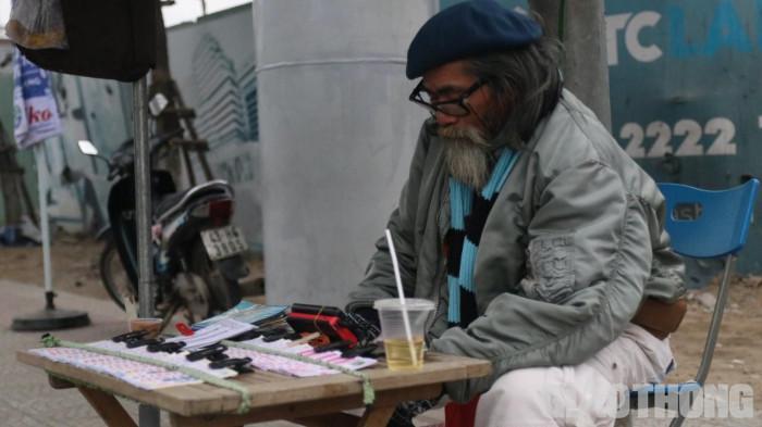 Chùm ảnh: Người dân Đà Nẵng co ro trong cái lạnh kỷ lục 5 năm qua Ảnh 1