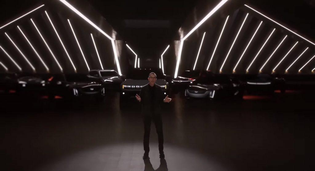 Rộ tin Chevrolet Corvette sớm được SUV hóa, đáp trả Ford Mustang Mach-E Ảnh 1