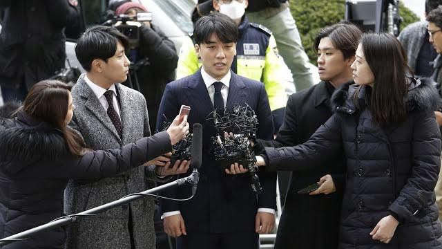 SM nói gì khi Hyoyeon (SNSD) bất ngờ bị dính vào 'Vầng mặt trời đen tối' Burning Sun? Ảnh 1