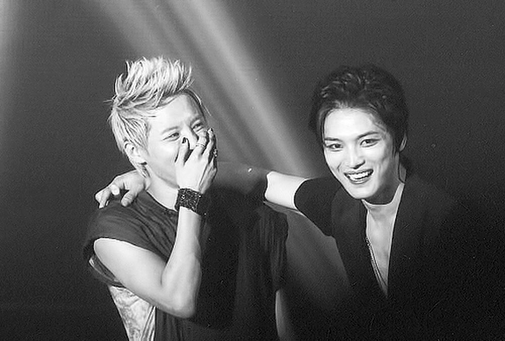 Fan hâm mộ 'rớt nước mắt' trước khoảnh khắc hội ngộ của Junsu và Jaejoong (JYJ) Ảnh 9