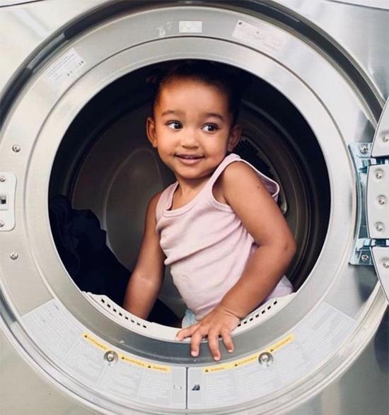 Con gái 3 tuổi của Kim Kardashian Ảnh 3