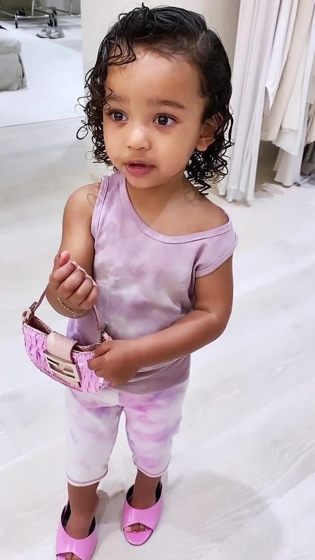 Con gái 3 tuổi của Kim Kardashian Ảnh 9