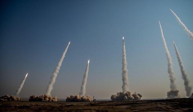 Iran bắn tên lửa đạn đạo tầm xa có thể diệt tàu chiến vào Ấn Độ Dương Ảnh 1