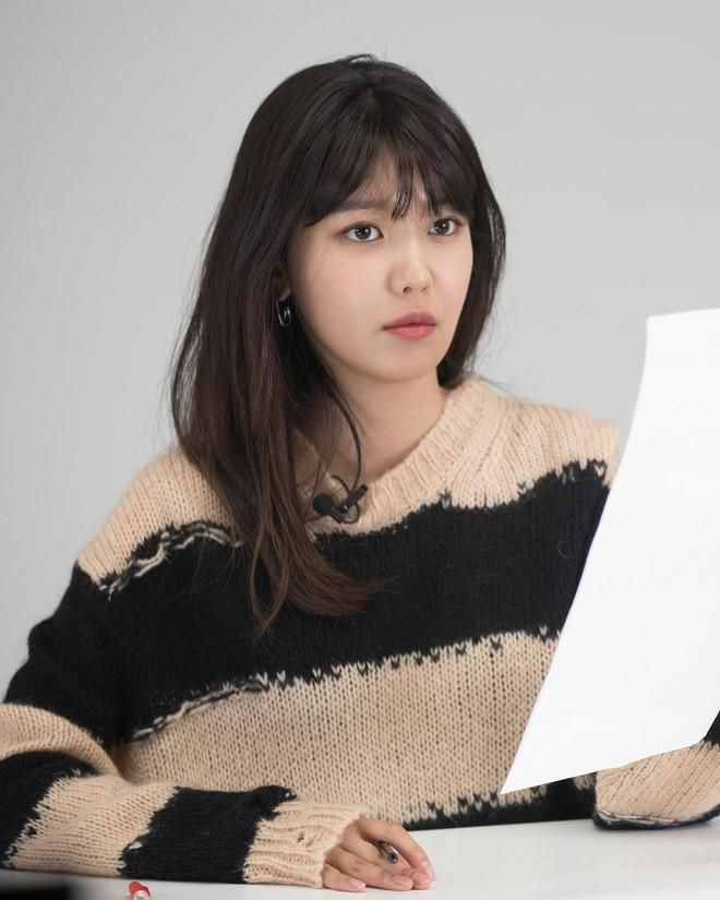 SooYoung hai lần đụng hàng Jisoo: Đẳng cấp của SNSD và BLACKPINK đúng 'đỉnh của chóp' Ảnh 4