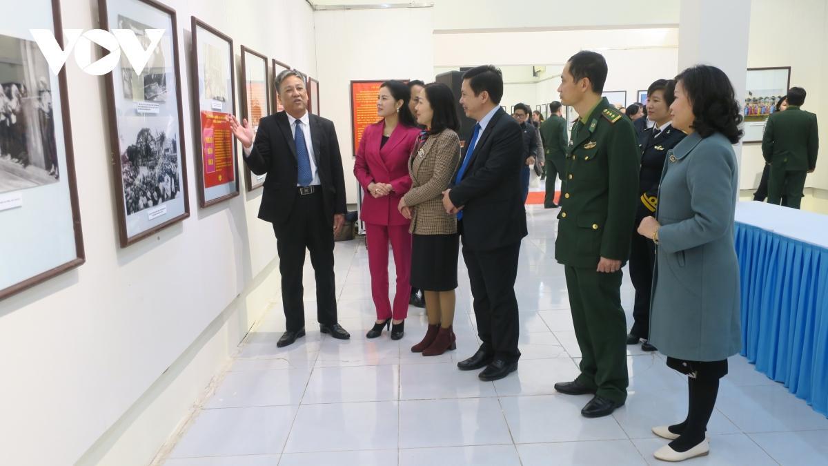 Triển lãm ảnh, tư liệu 'Đảng Cộng sản Việt Nam - Những chặng đường lịch sử' Ảnh 3