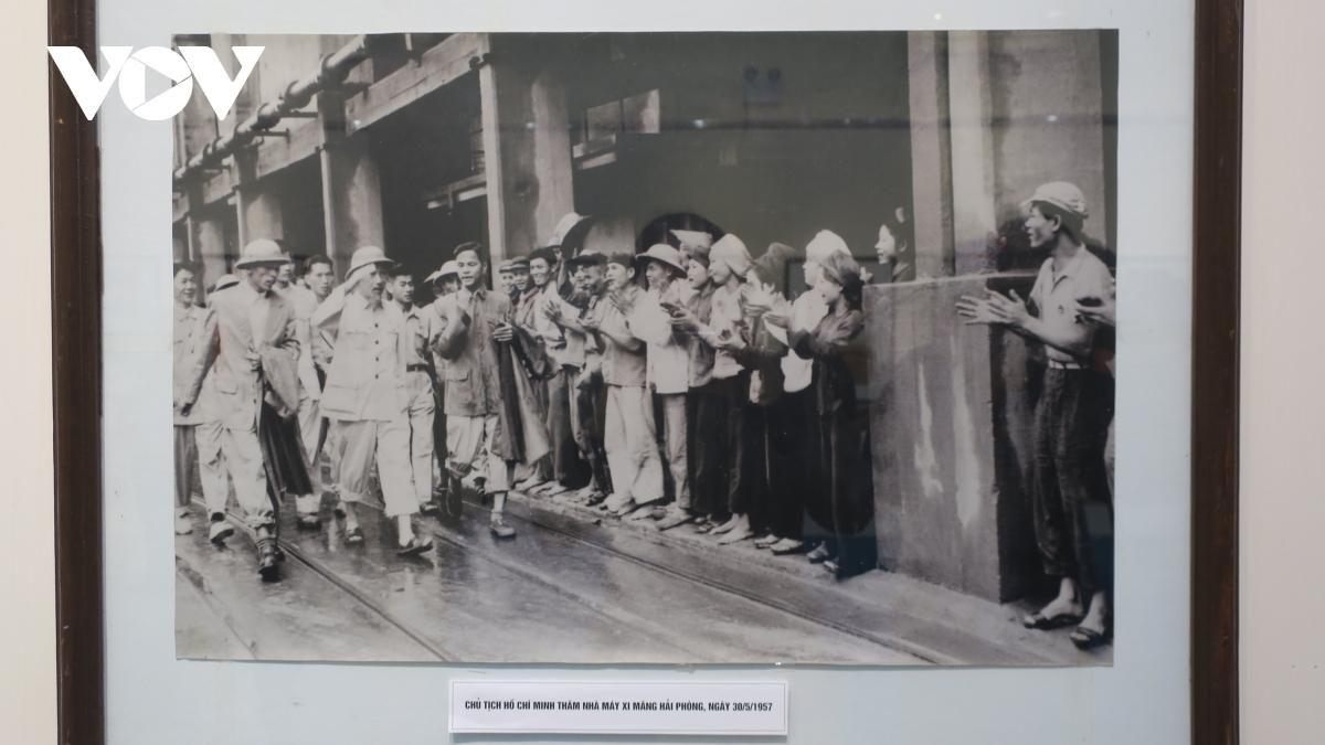 Triển lãm ảnh, tư liệu 'Đảng Cộng sản Việt Nam - Những chặng đường lịch sử' Ảnh 2
