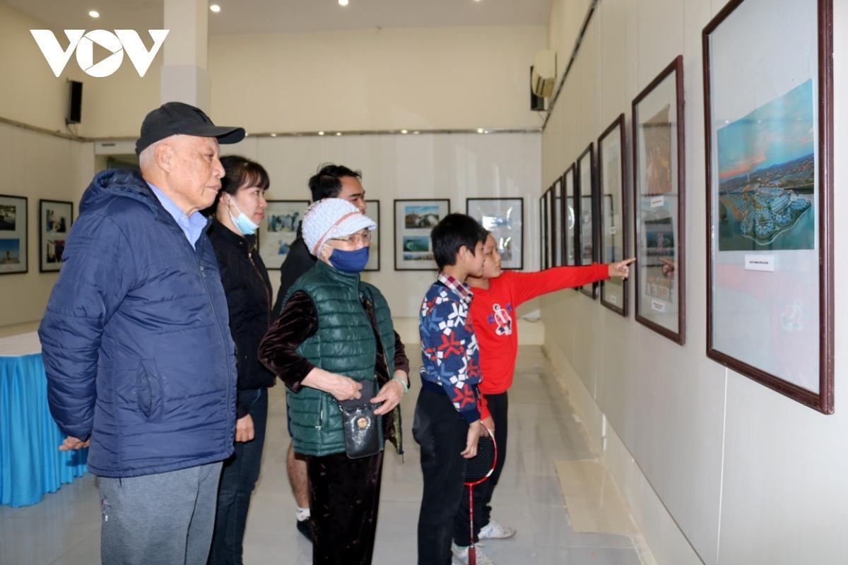 Triển lãm ảnh, tư liệu 'Đảng Cộng sản Việt Nam - Những chặng đường lịch sử' Ảnh 4