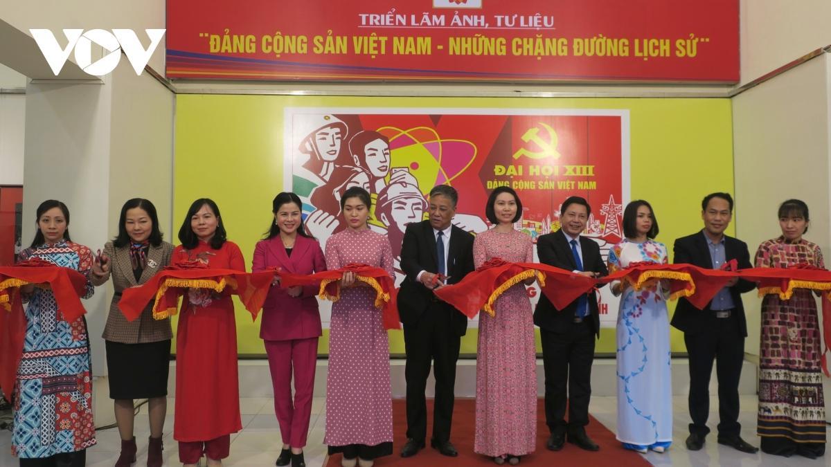 Triển lãm ảnh, tư liệu 'Đảng Cộng sản Việt Nam - Những chặng đường lịch sử' Ảnh 1