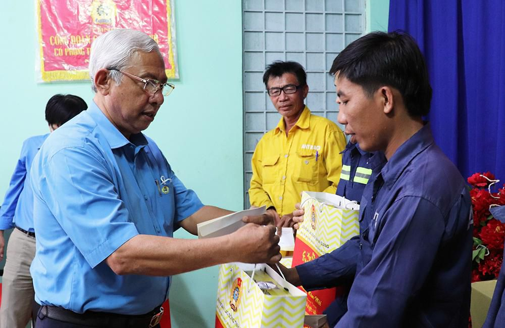 Liên đoàn Lao động tỉnh An Giang chúc Tết các địa phương, tặng quà đoàn viên, người lao động Ảnh 4