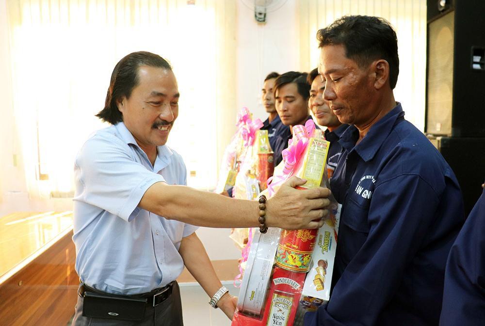 Liên đoàn Lao động tỉnh An Giang chúc Tết các địa phương, tặng quà đoàn viên, người lao động Ảnh 5