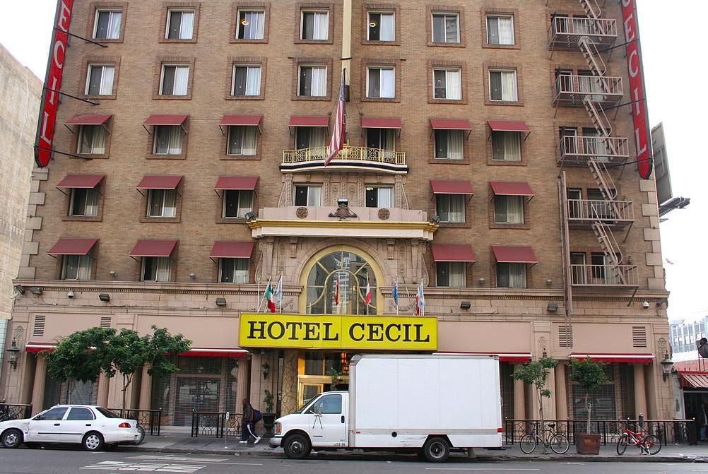 Câu chuyện về khách sạn xảy ra nhiều vụ án chấn động lịch sử Ảnh 1