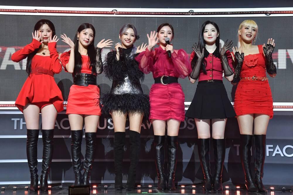 Không phải BlackPink và Twice, nhóm nhạc sắp chia tay này mới là girlgroup Kpop bán nhiều album nhất 2020 Ảnh 9