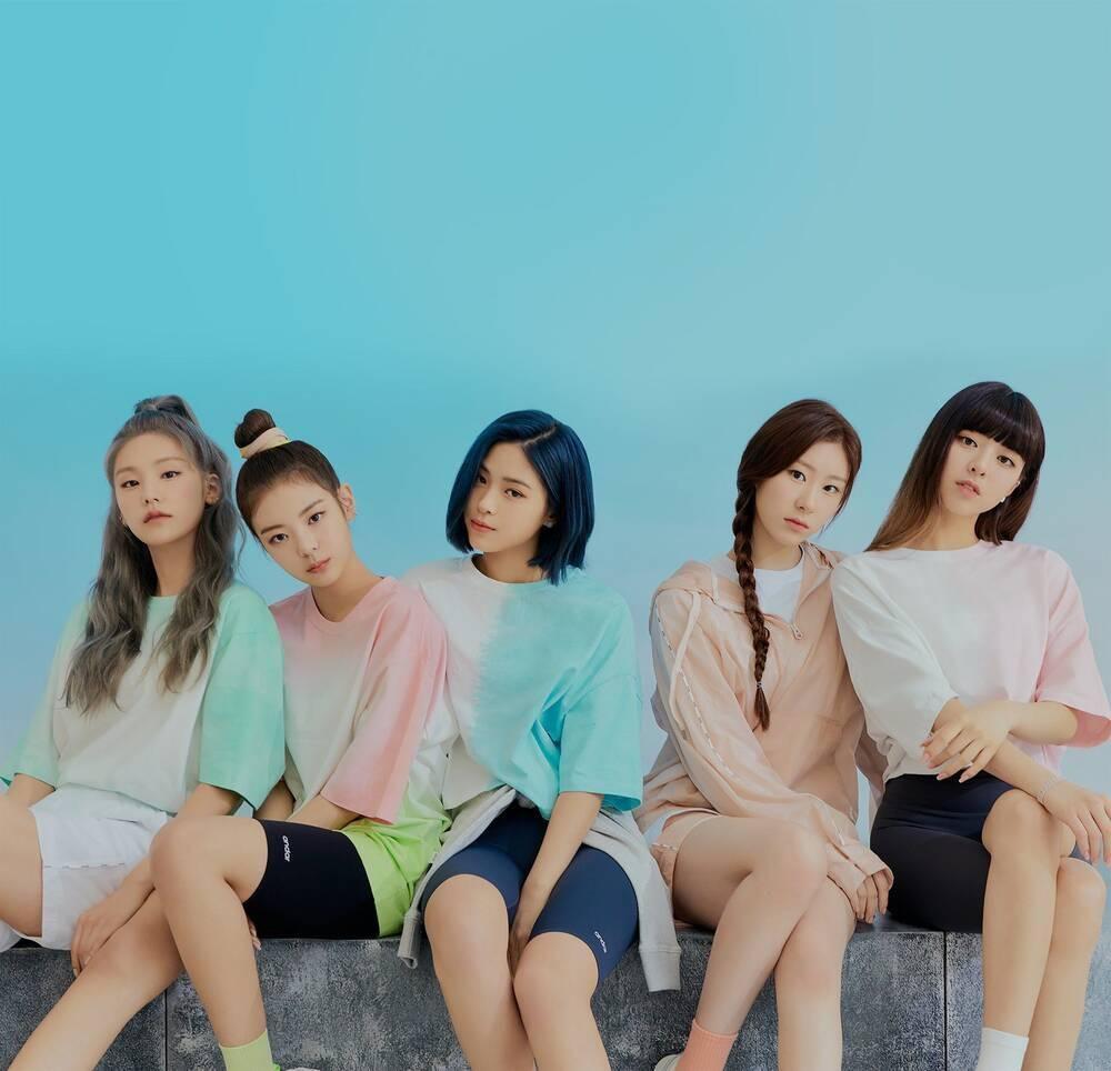 Không phải BlackPink và Twice, nhóm nhạc sắp chia tay này mới là girlgroup Kpop bán nhiều album nhất 2020 Ảnh 8