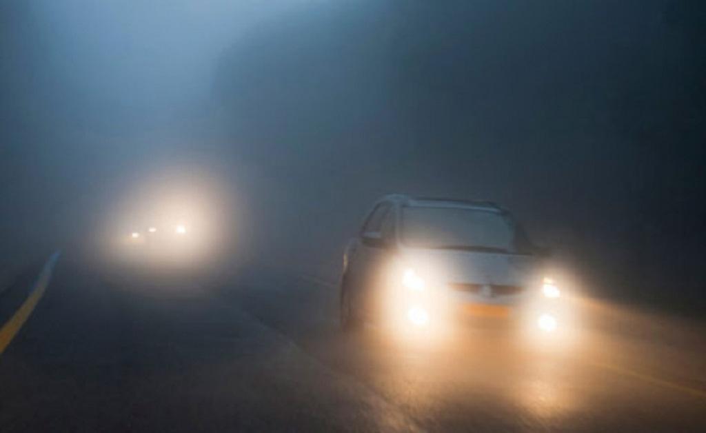 Sử dụng đèn xe ôtô thế nào trong mùa đông giá rét? Ảnh 1