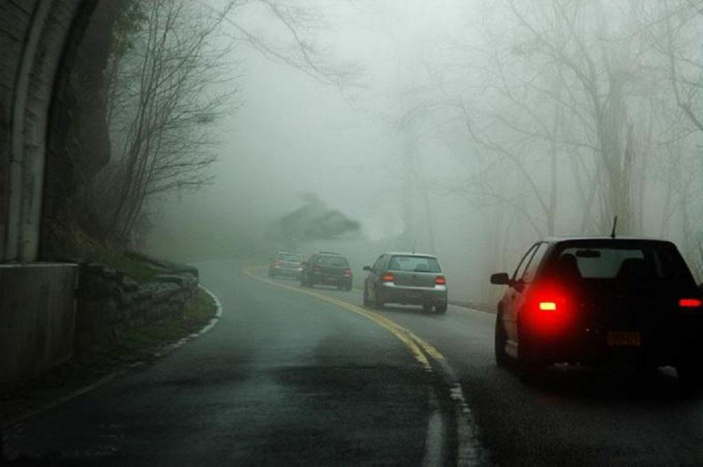 Sử dụng đèn xe ôtô thế nào trong mùa đông giá rét? Ảnh 2