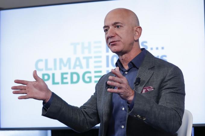 Tỷ phú Jeff Bezos sẽ thôi chức Tổng giám đốc tập đoàn Amazon Ảnh 1