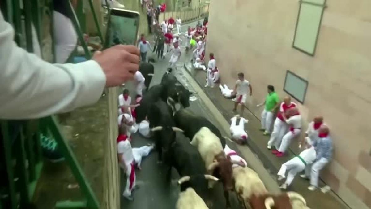 Tây Ban Nha hủy tổ chức lễ hội đua bò nổi tiếng Ảnh 1